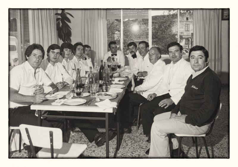 Fotografia Realizada en 1980 a nuestro primer equipo de camareros de eventos, a la derecha de esta imagen aparece nuestro fundador, D.Anselmo Crespo